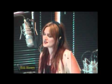 Leighton Meester ft. Check in the Dark - Heart Strings [LIVE]